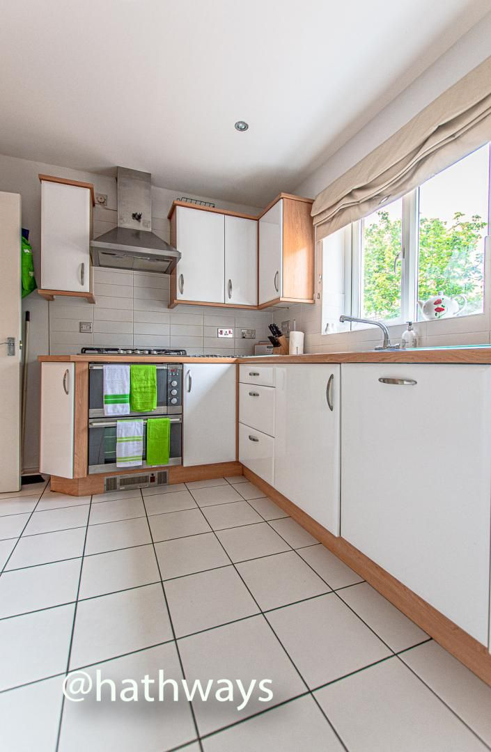 4 bed house for sale in Ladyhill Road  - Property Image 11