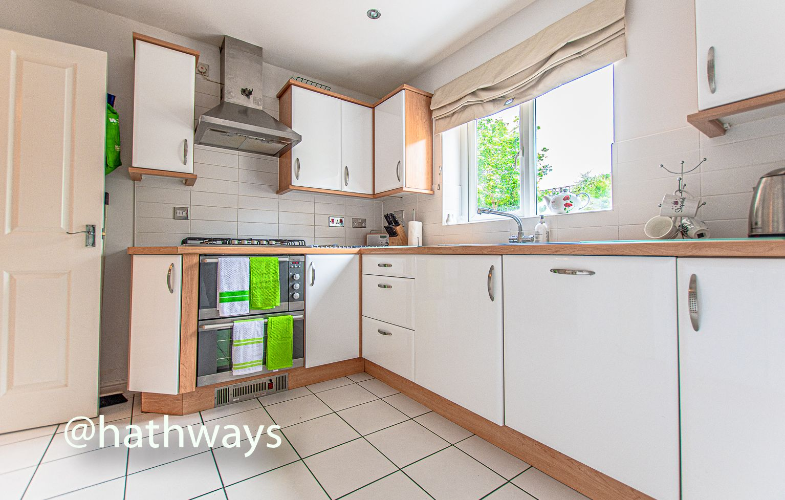 4 bed house for sale in Ladyhill Road  - Property Image 13