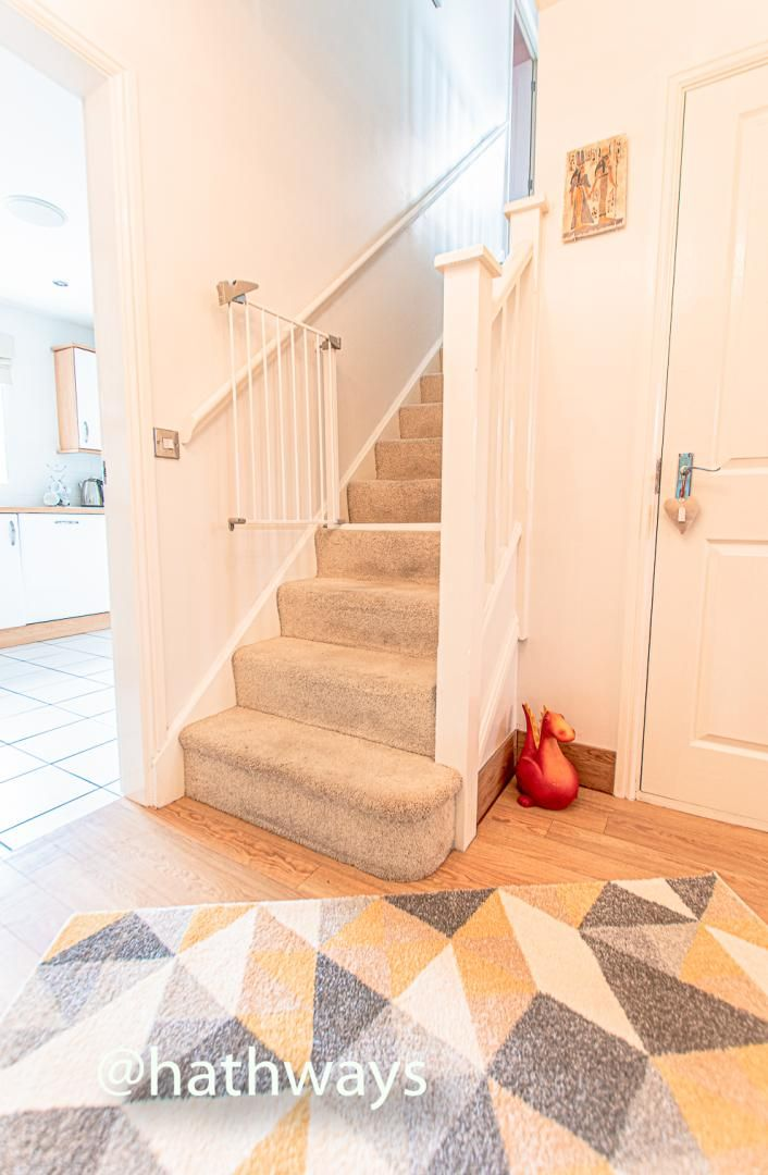 4 bed house for sale in Ladyhill Road  - Property Image 3