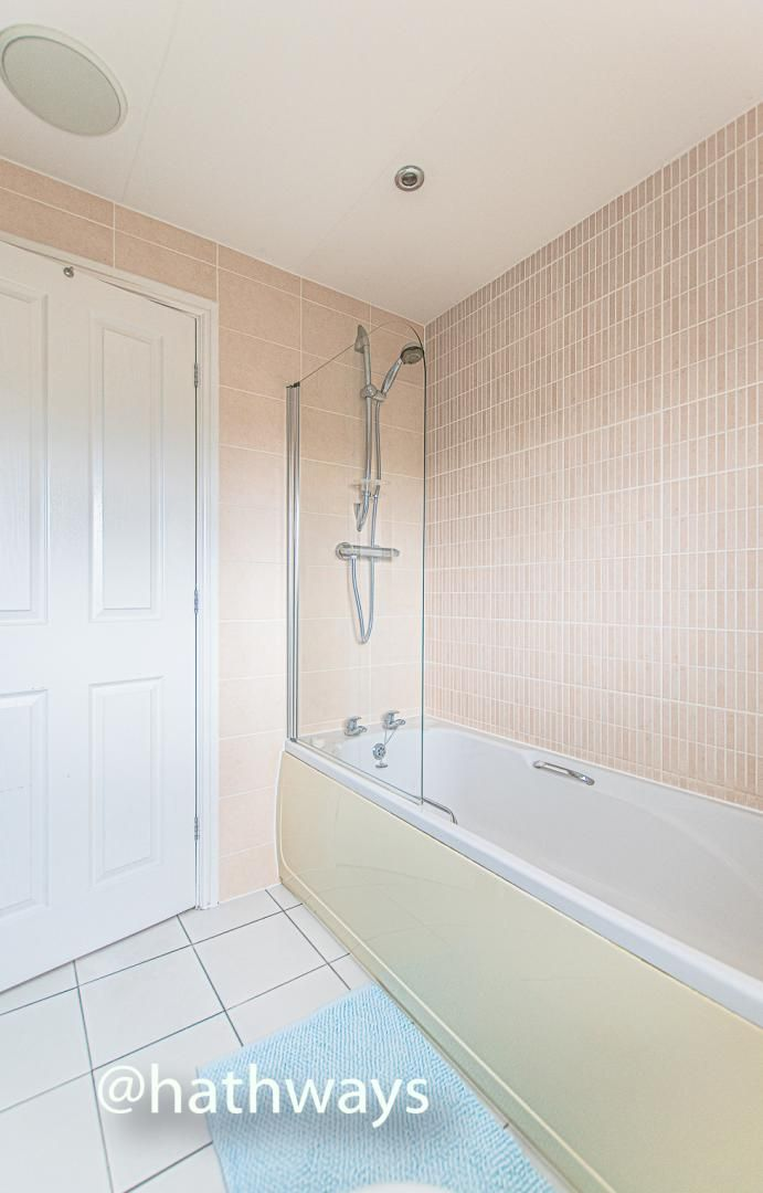 4 bed house for sale in Ladyhill Road  - Property Image 37