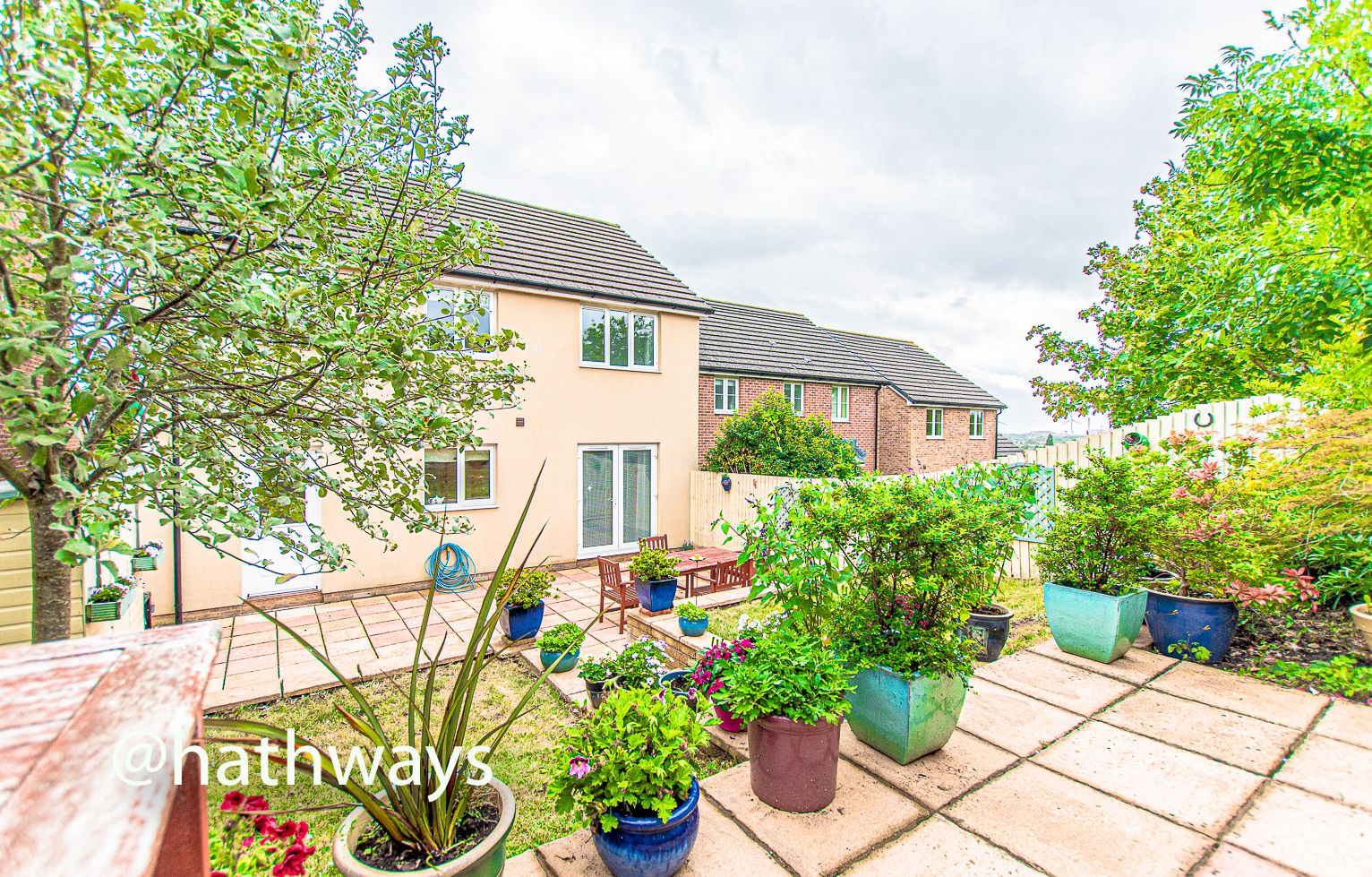 4 bed house for sale in Ladyhill Road 44