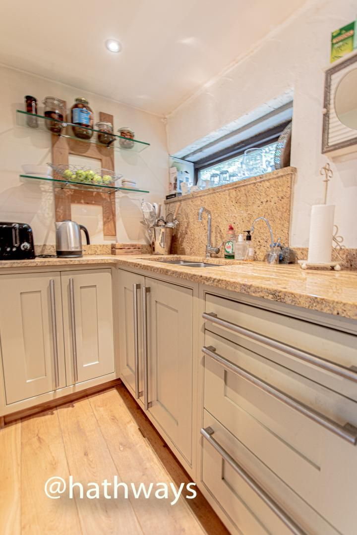 4 bed house for sale in Station Road 7