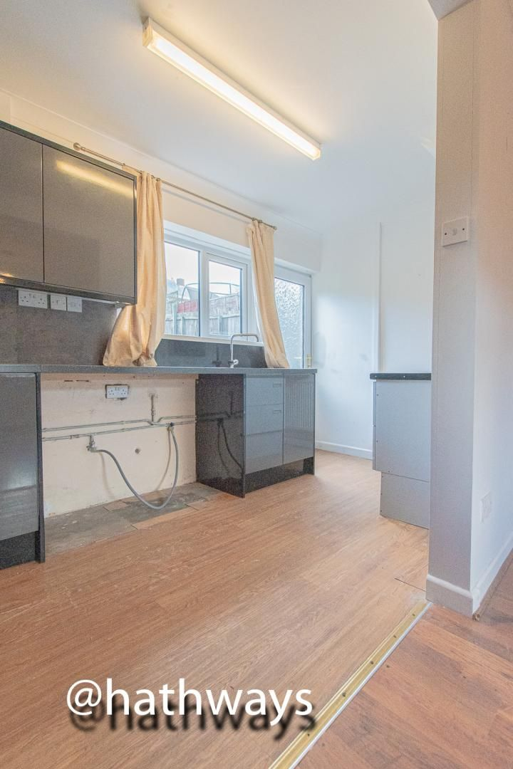 3 bed house for sale in Manor Road 19
