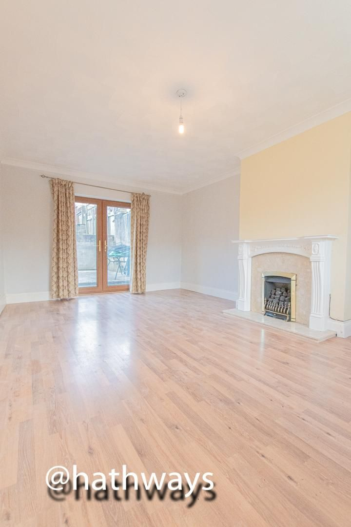 3 bed house for sale in Manor Road 4