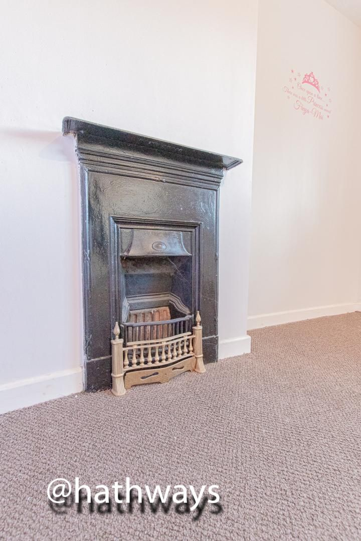 3 bed house for sale in Manor Road 32
