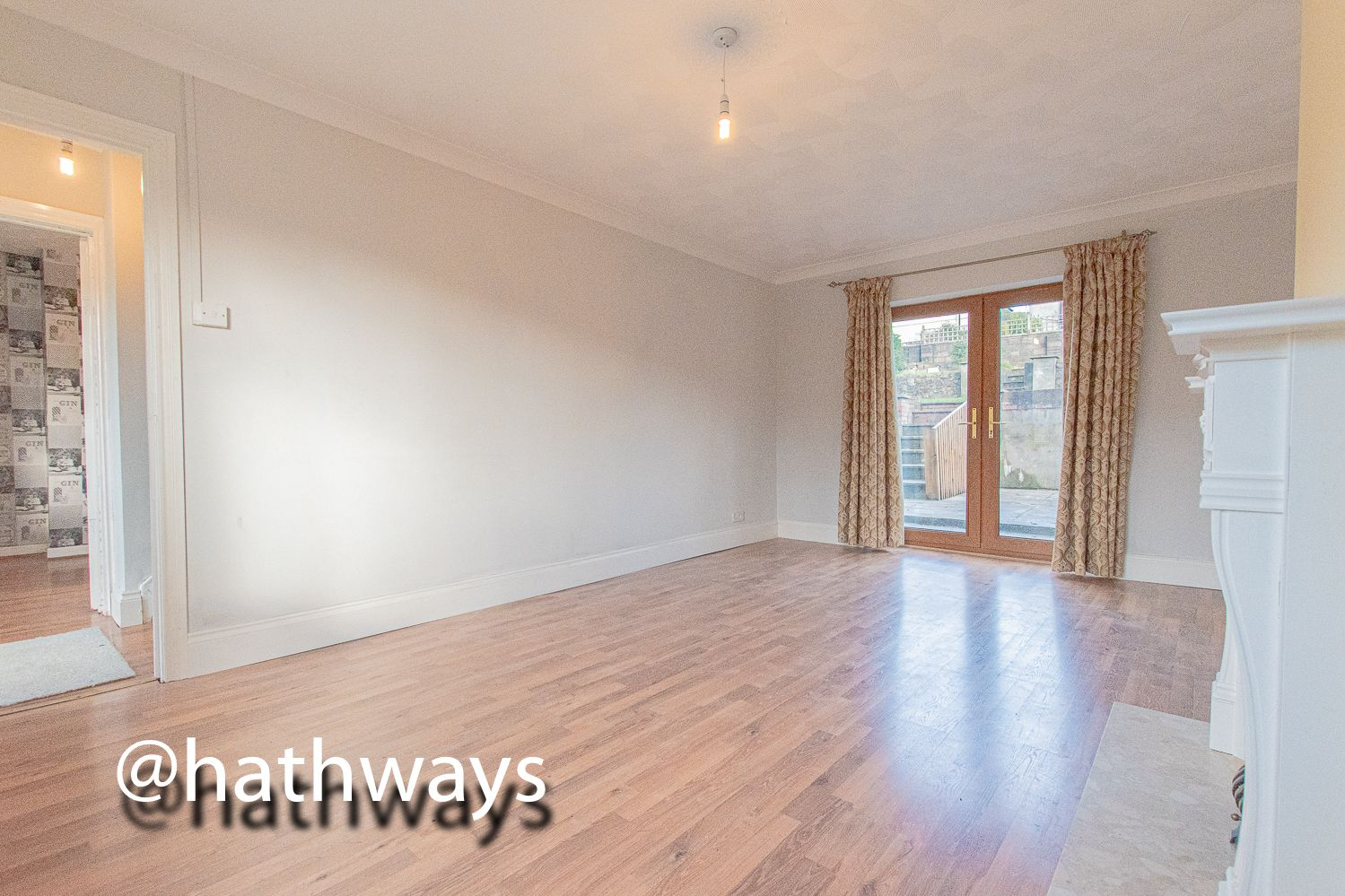 3 bed house for sale in Manor Road  - Property Image 5