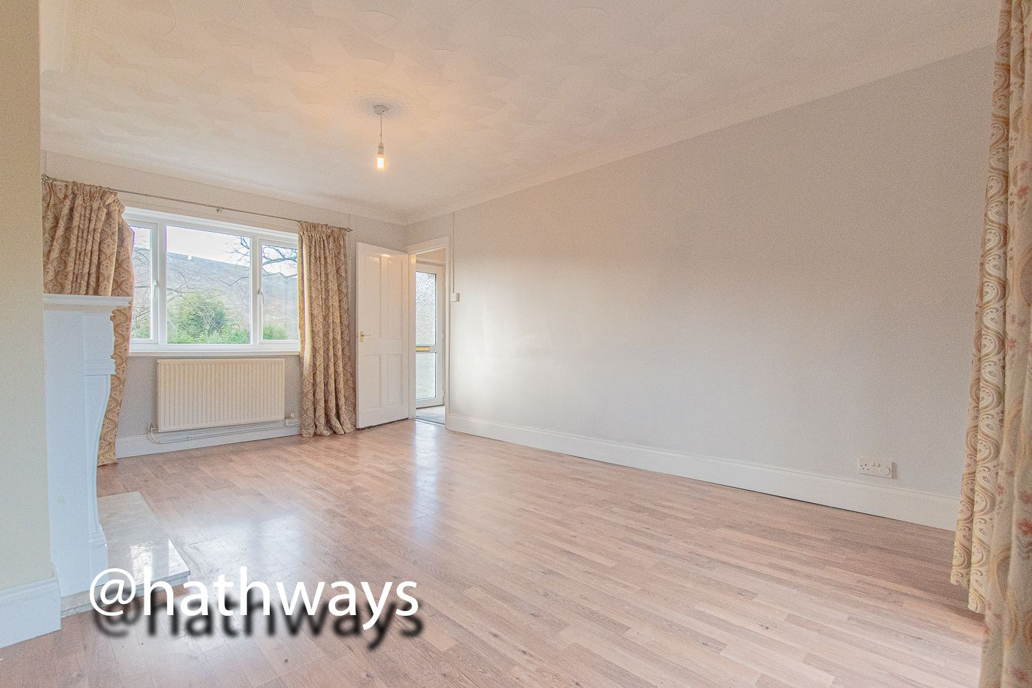 3 bed house for sale in Manor Road  - Property Image 7