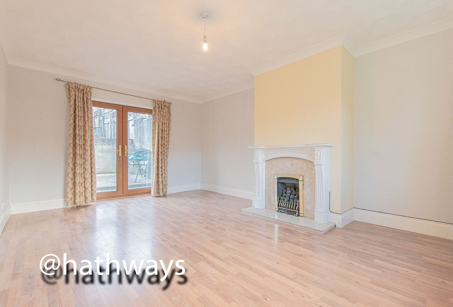 3 bed house for sale in Manor Road  - Property Image 9