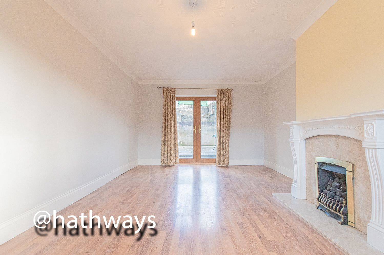 3 bed house for sale in Manor Road  - Property Image 10