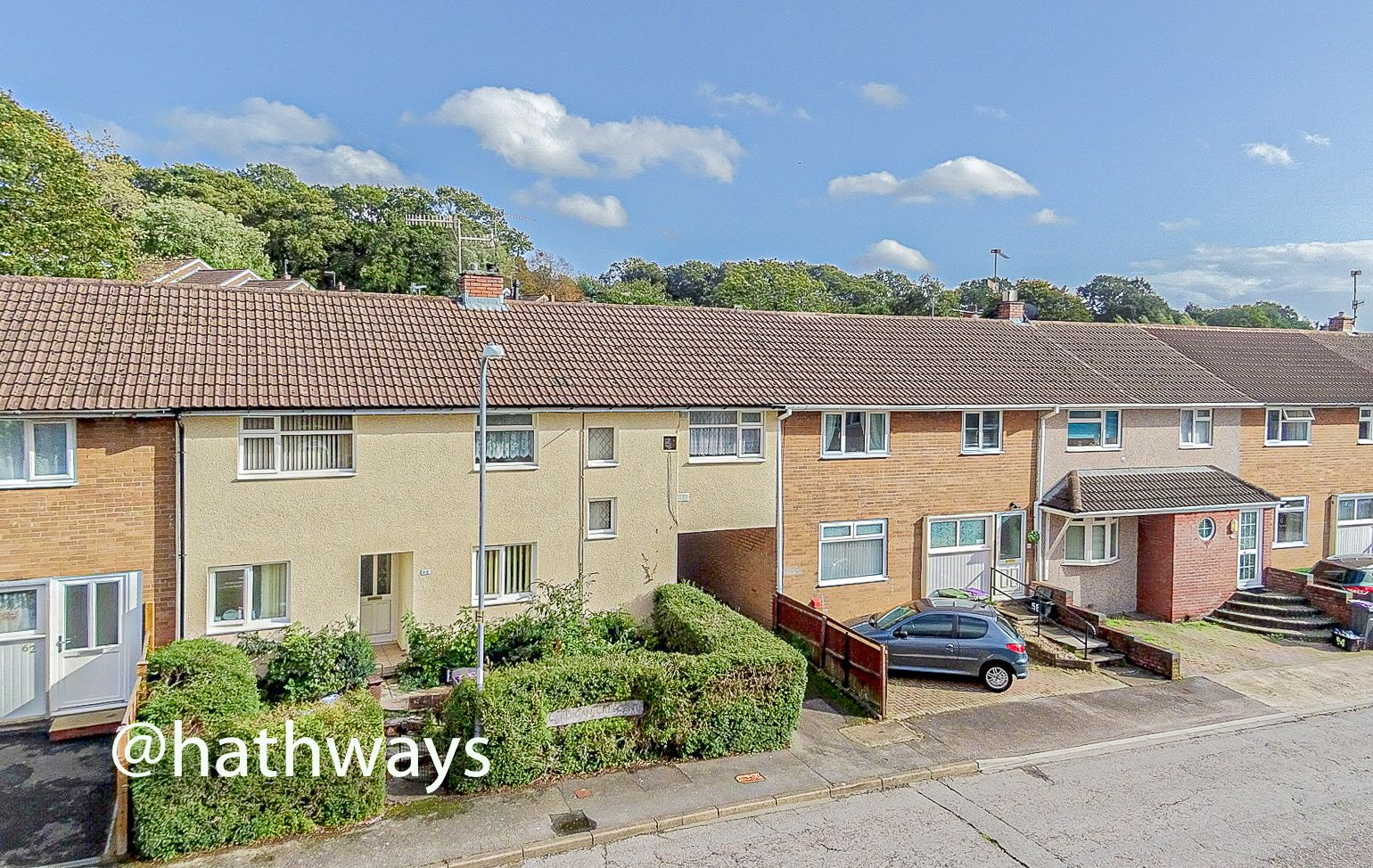2 bed flat for sale in Cardigan Crescent  - Property Image 1