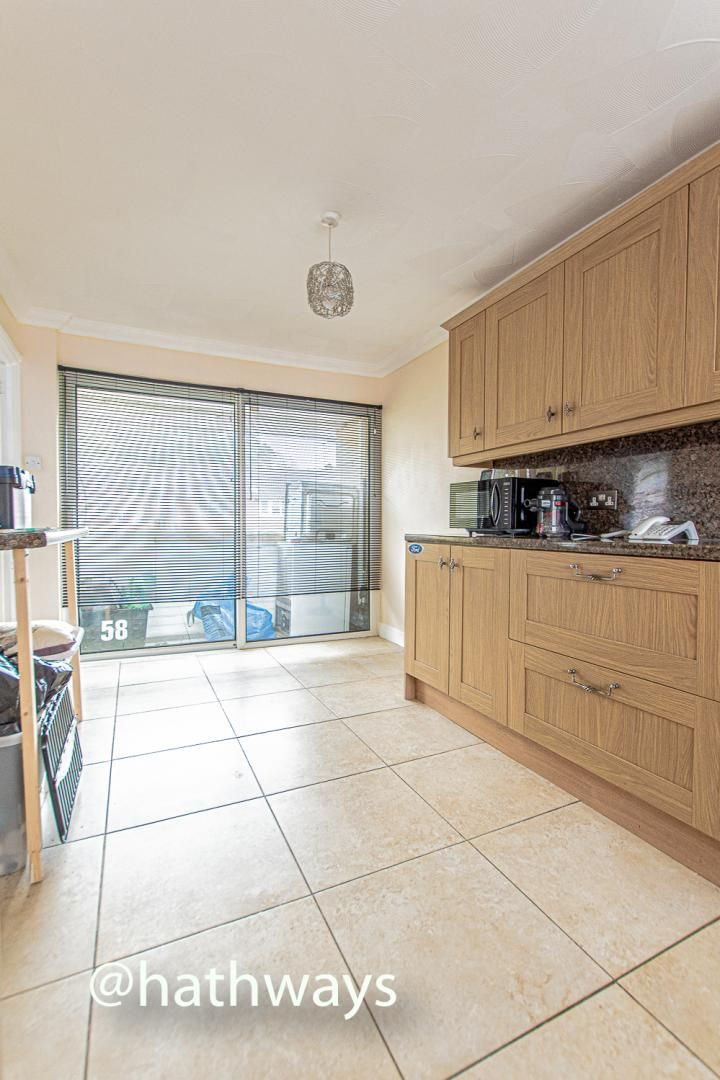 2 bed flat for sale in Cardigan Crescent  - Property Image 11