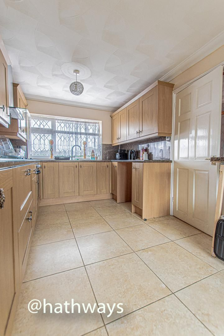2 bed flat for sale in Cardigan Crescent 13