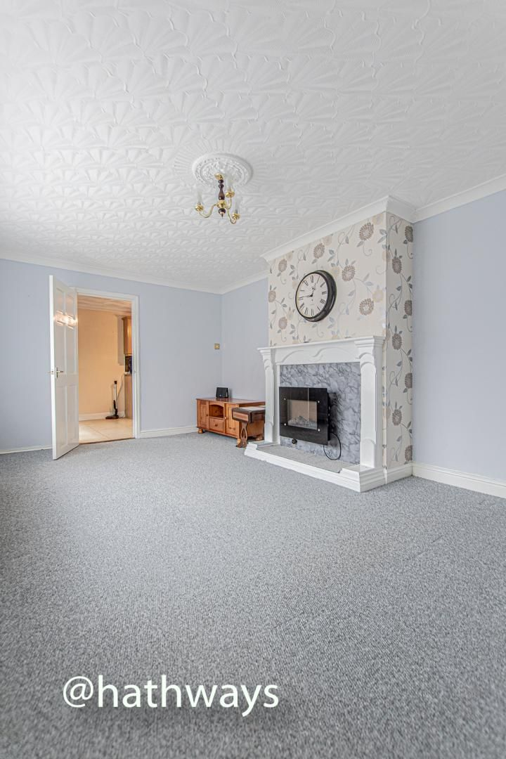 2 bed flat for sale in Cardigan Crescent  - Property Image 10