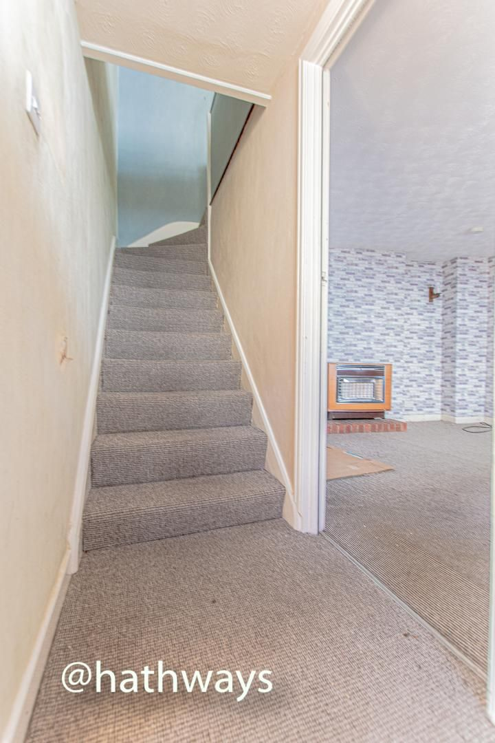1 bed house for sale in Backhall Street  - Property Image 3