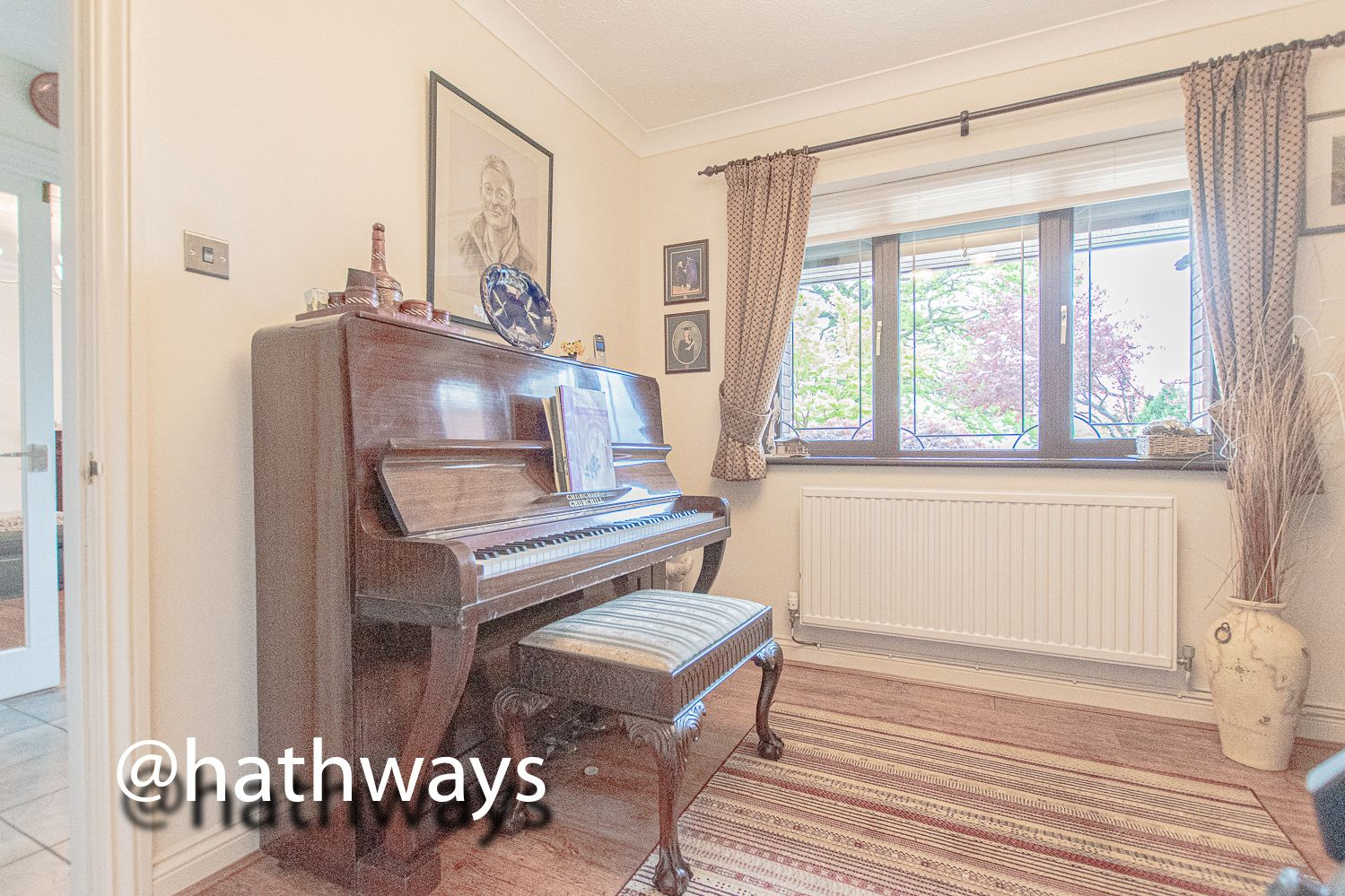 4 bed house for sale in Harpers Road  - Property Image 12