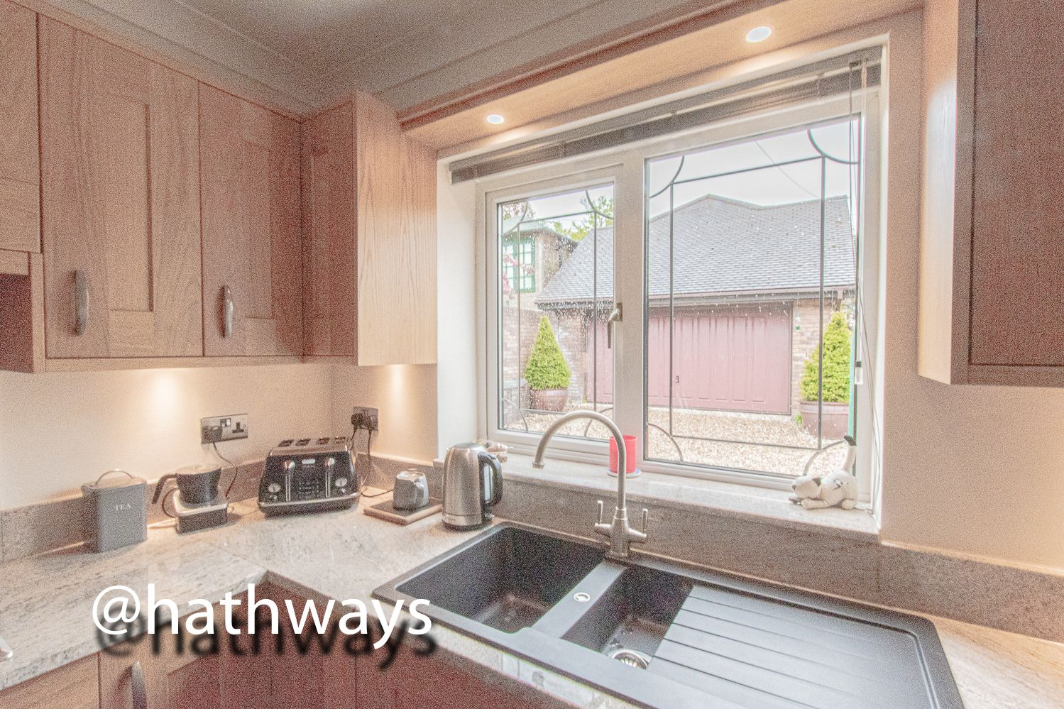 4 bed house for sale in Harpers Road 18