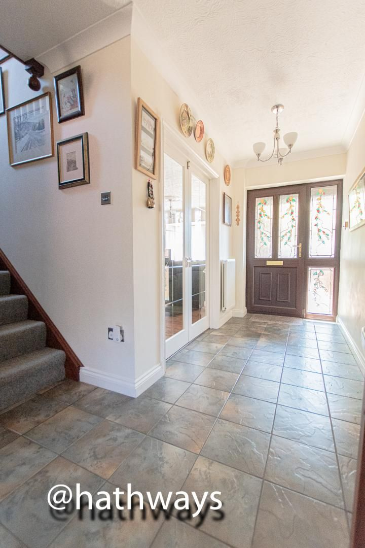 4 bed house for sale in Harpers Road  - Property Image 4