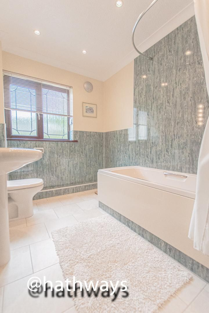 4 bed house for sale in Harpers Road 42