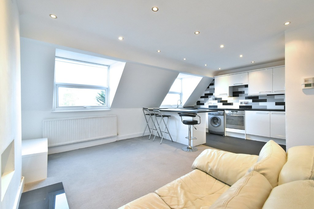 2 bed flat to rent 5