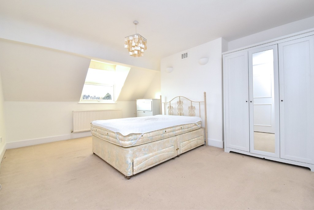 2 bed flat to rent  - Property Image 8