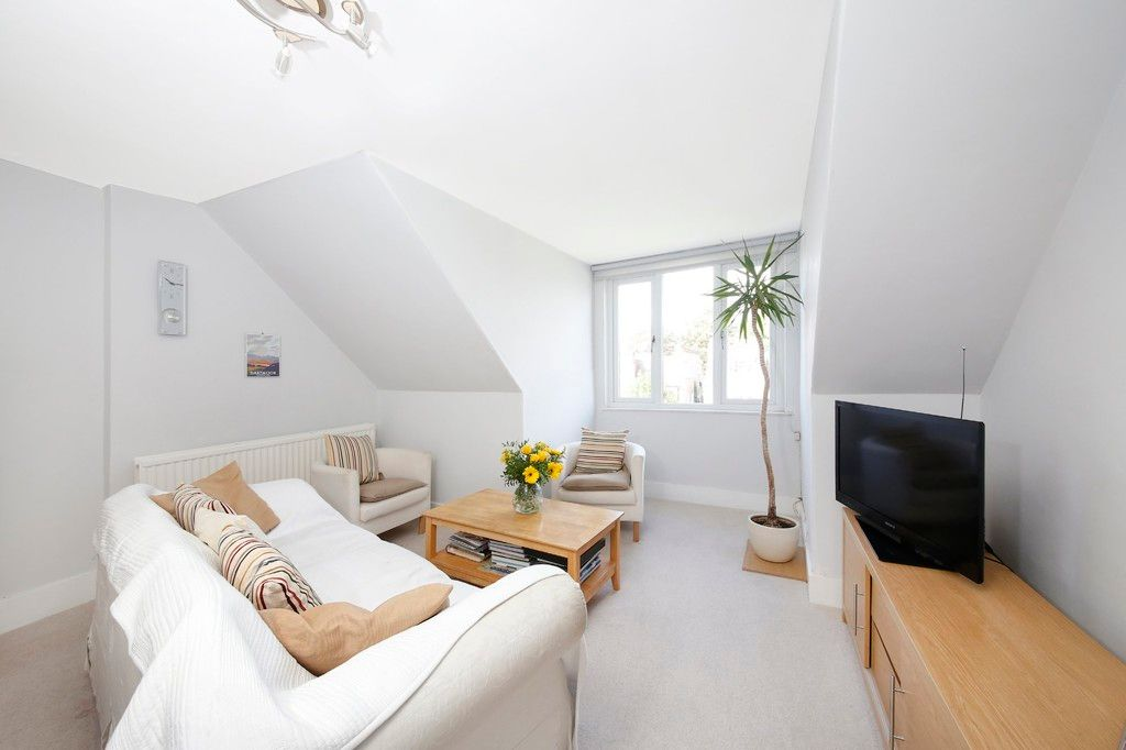 2 bed flat for sale  - Property Image 12