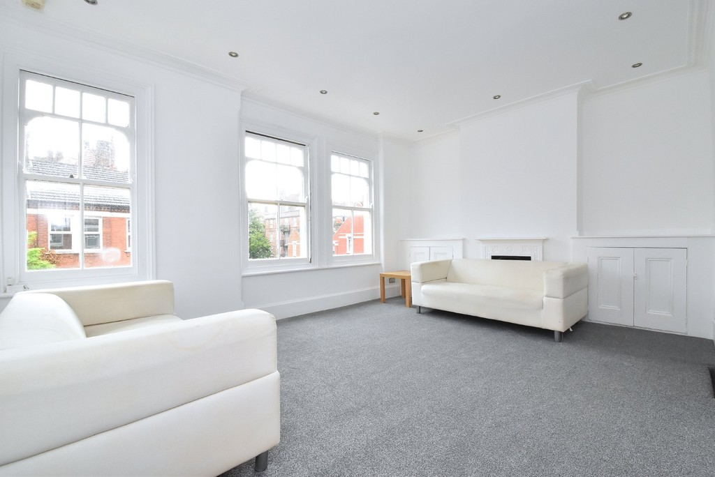2 bed flat to rent, SW2