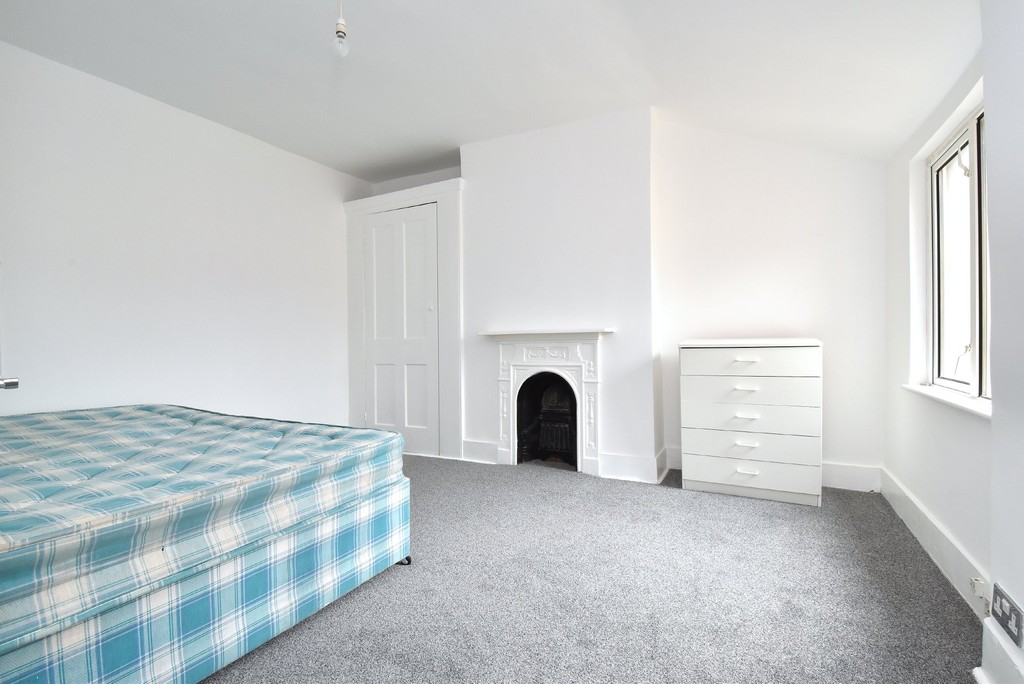 2 bed flat to rent 2