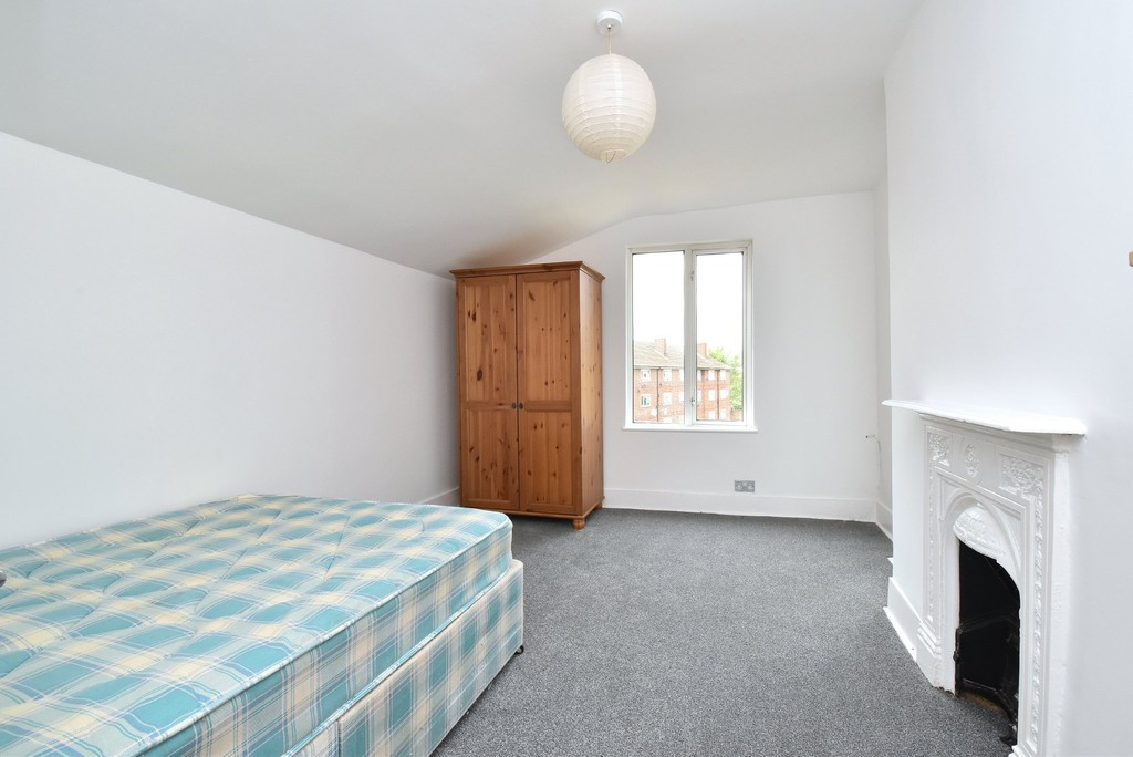2 bed flat to rent 6