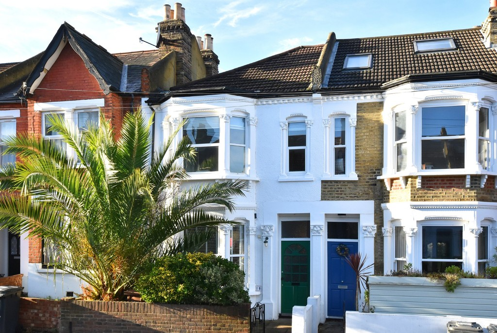 4 bed house to rent - Property Image 1