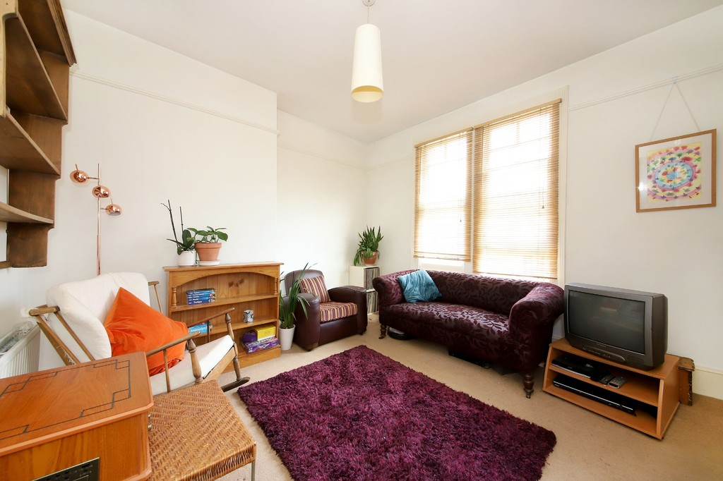 2 bed flat to rent  - Property Image 4
