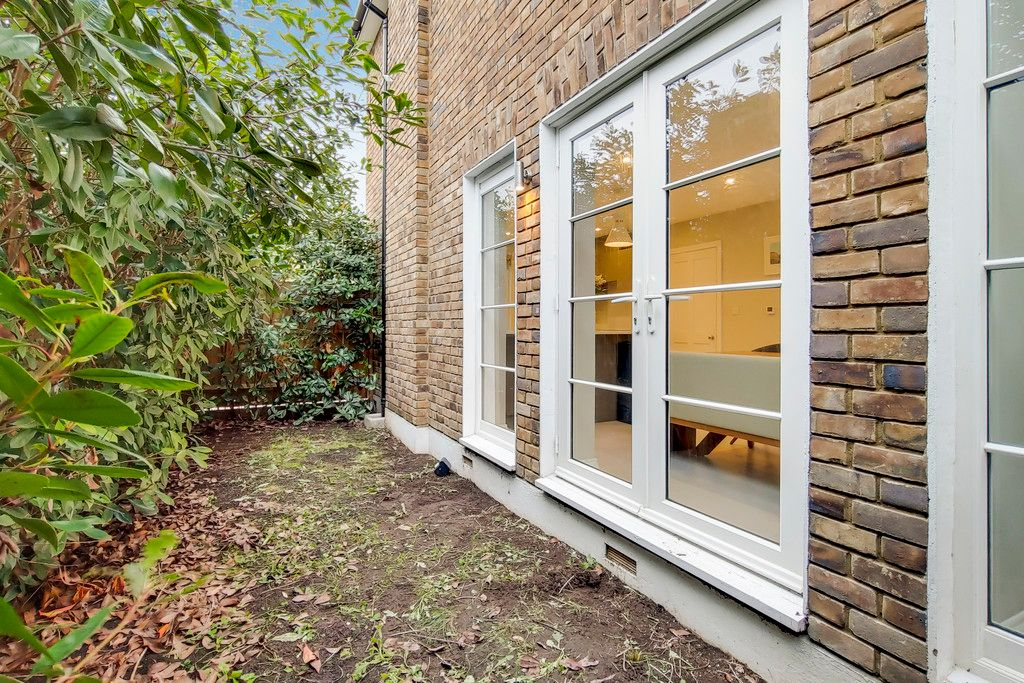 2 bed house for sale 14