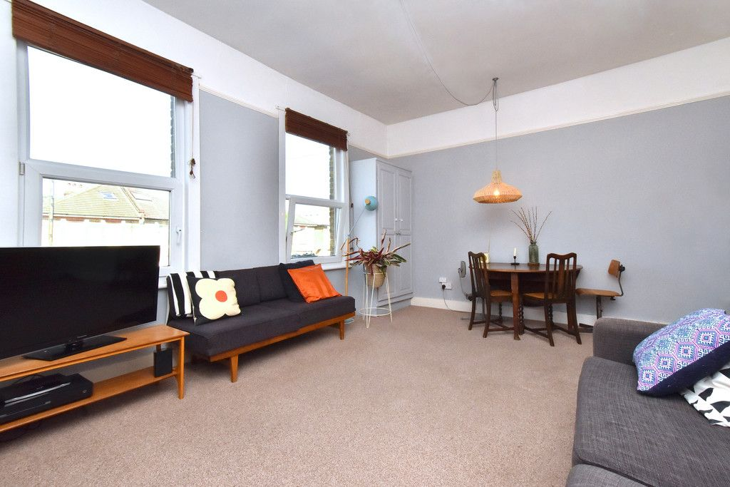 2 bed flat for sale  - Property Image 8