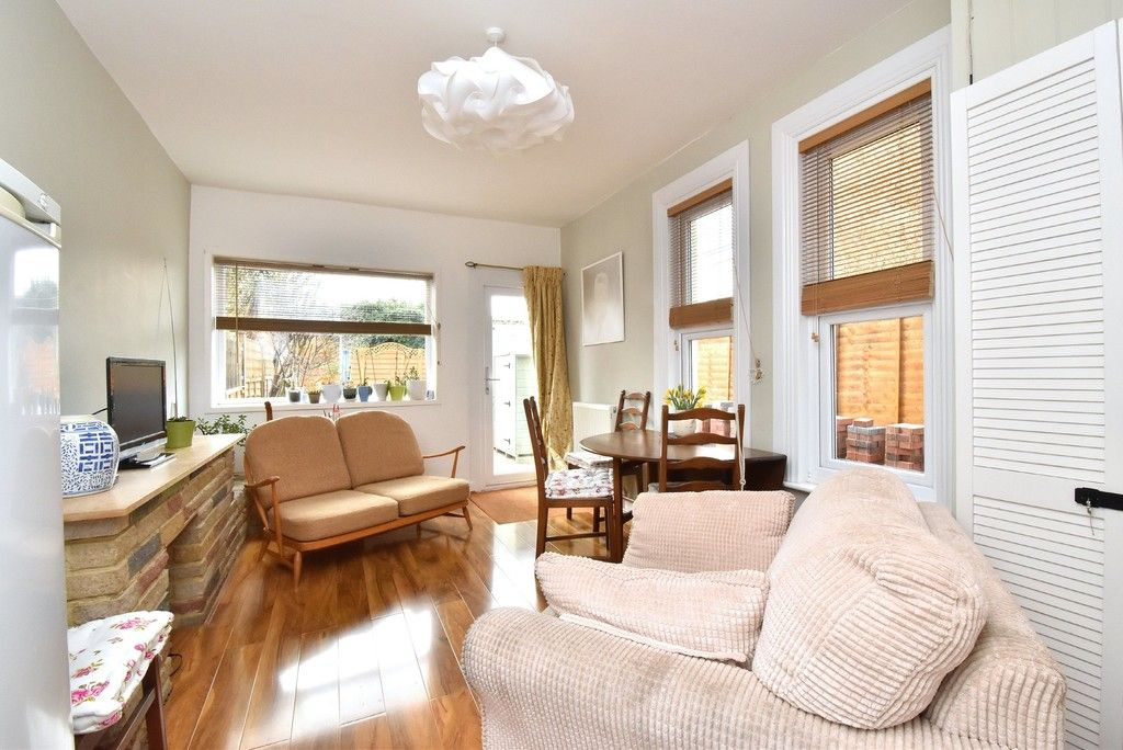 4 bed house for sale  - Property Image 4
