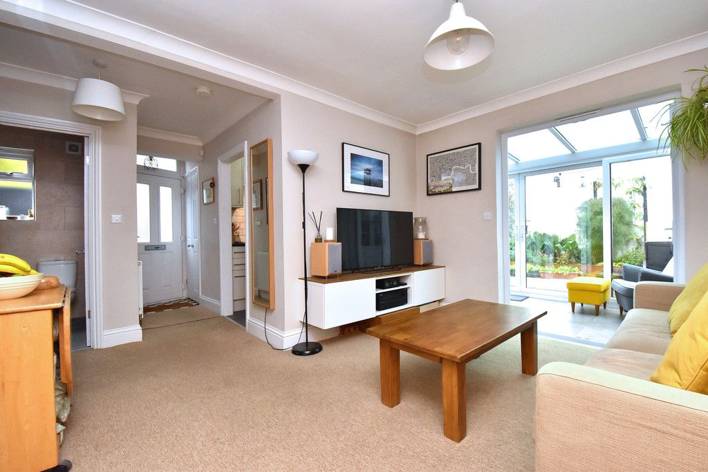 2 bed flat for sale  - Property Image 7