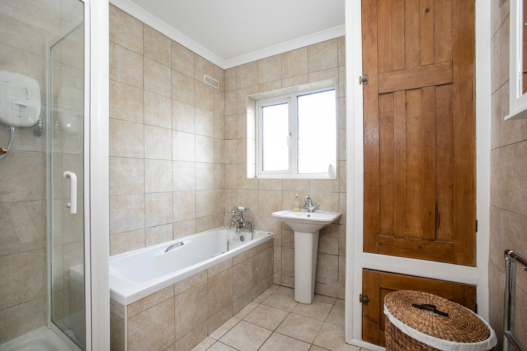 4 bed house for sale  - Property Image 6