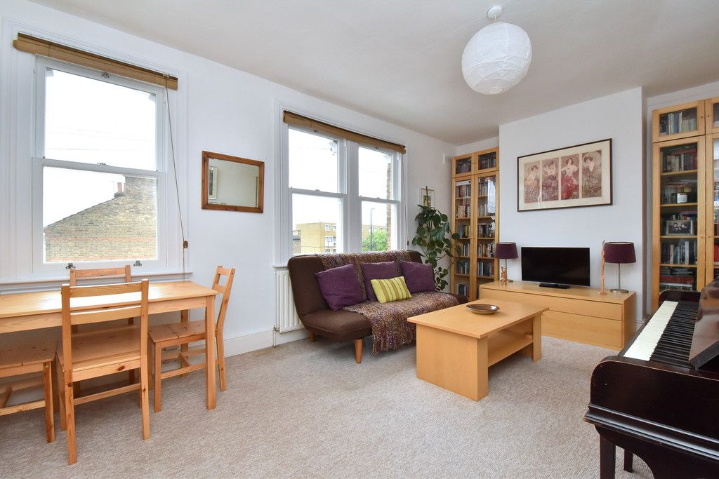 1 bed flat for sale  - Property Image 2