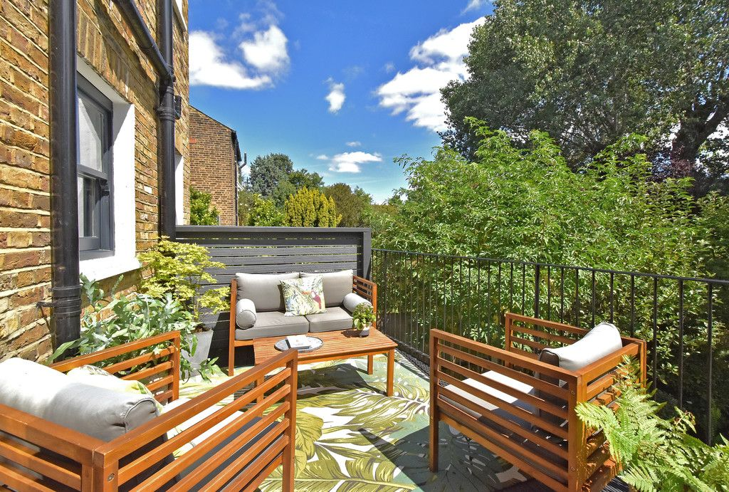 3 bed flat for sale  - Property Image 13