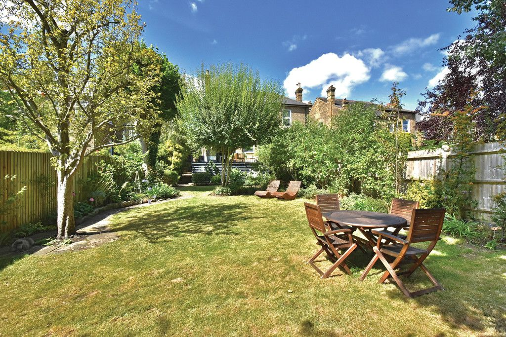 3 bed flat for sale  - Property Image 15