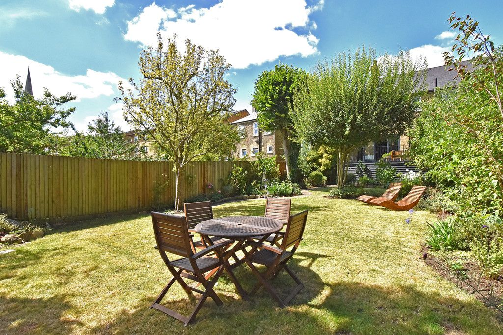3 bed flat for sale  - Property Image 16