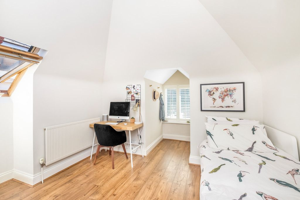 2 bed flat for sale  - Property Image 9