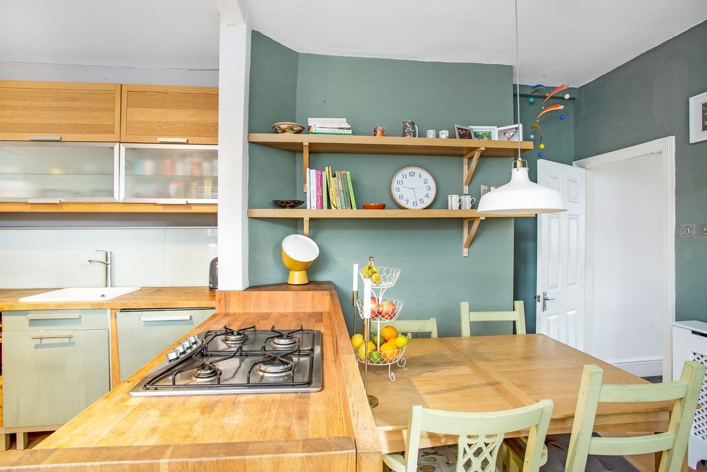 2 bed flat for sale 13