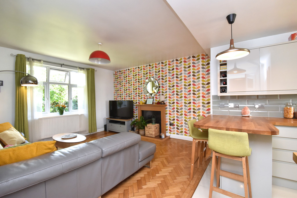 3 bed flat for sale - Property Image 1