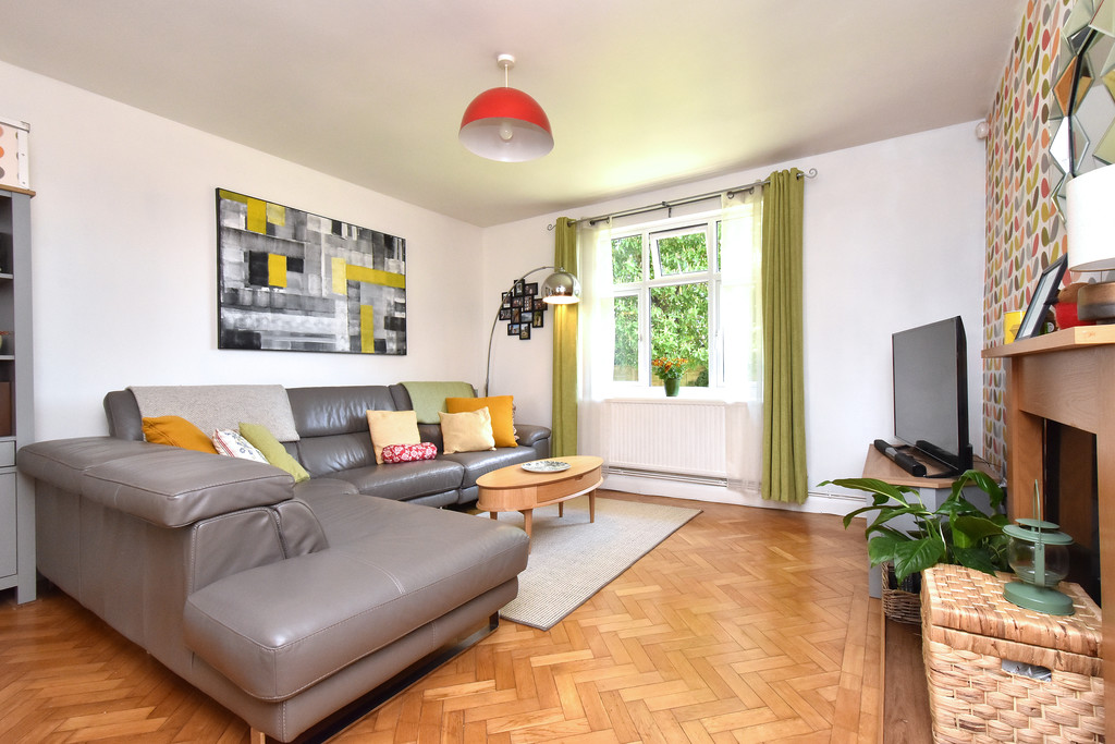 3 bed flat for sale 8