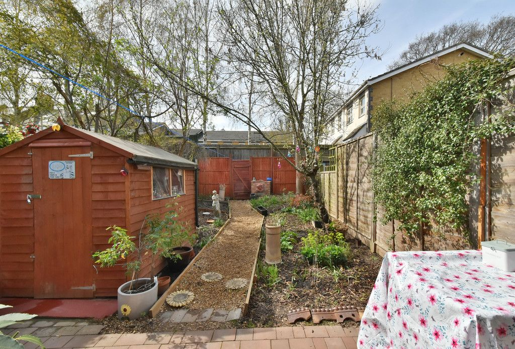 2 bed house for sale 13