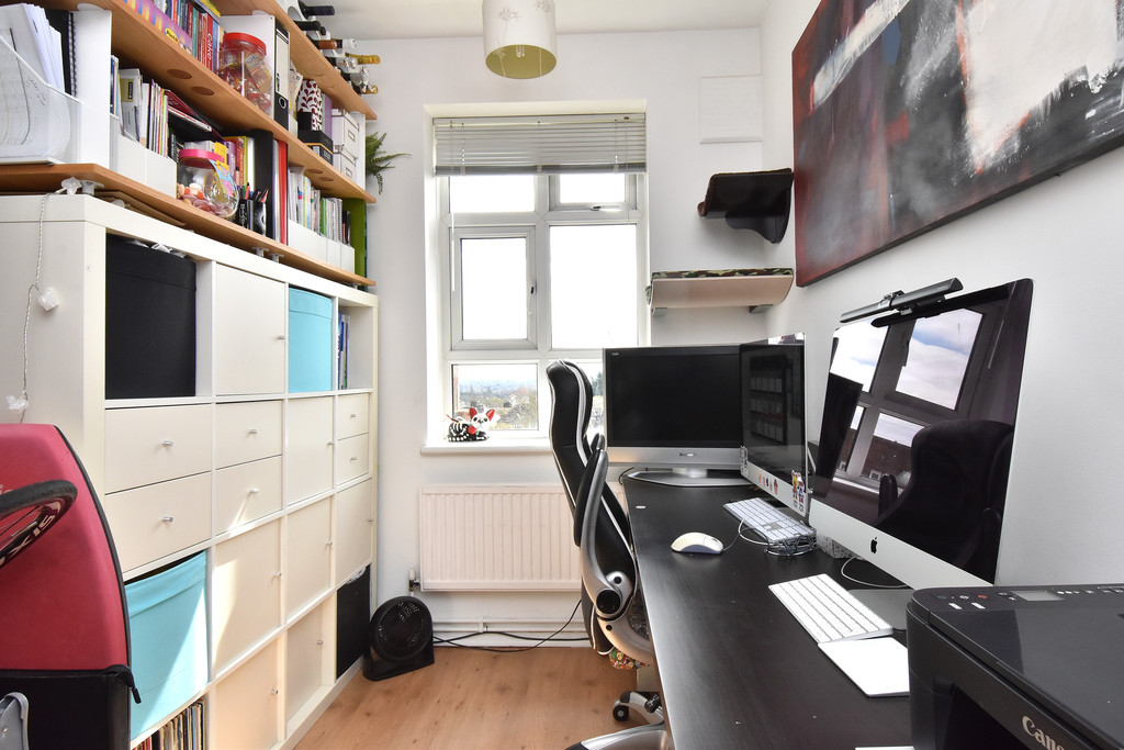 3 bed flat for sale 13