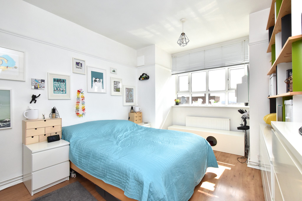 3 bed flat for sale  - Property Image 3