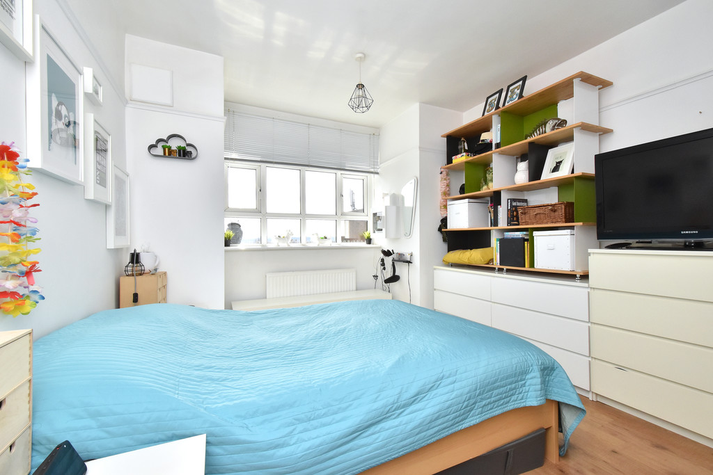 3 bed flat for sale  - Property Image 7