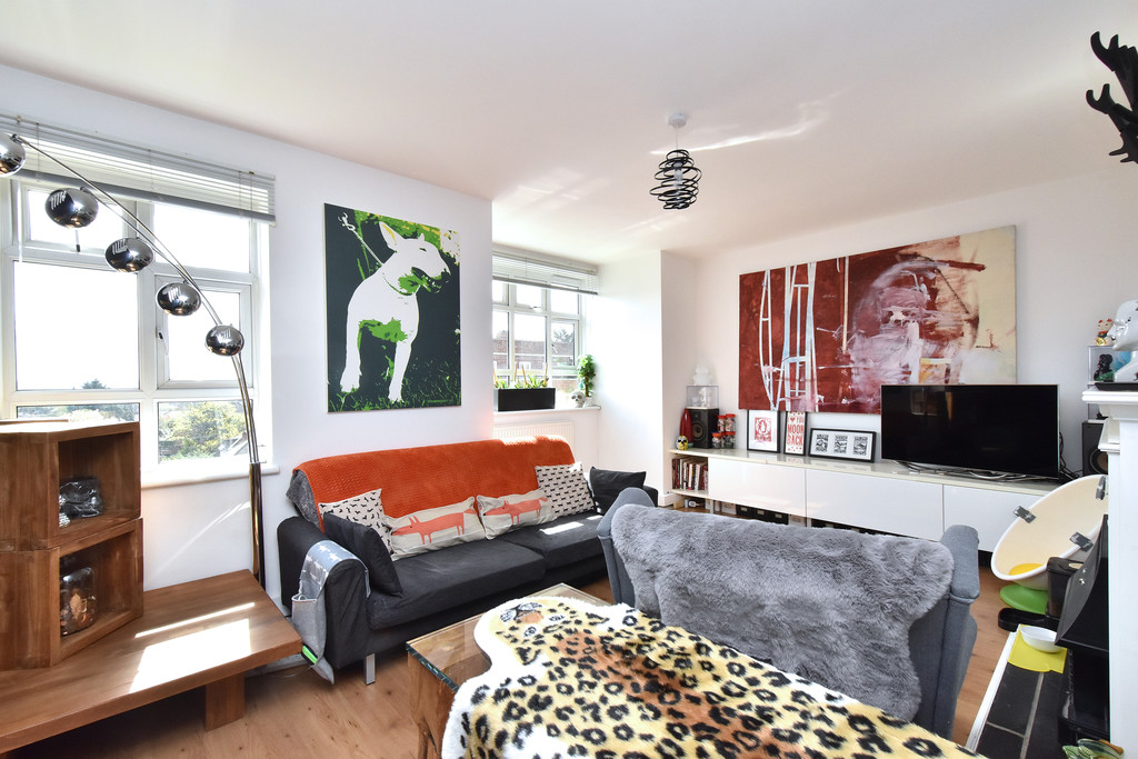 3 bed flat for sale  - Property Image 9