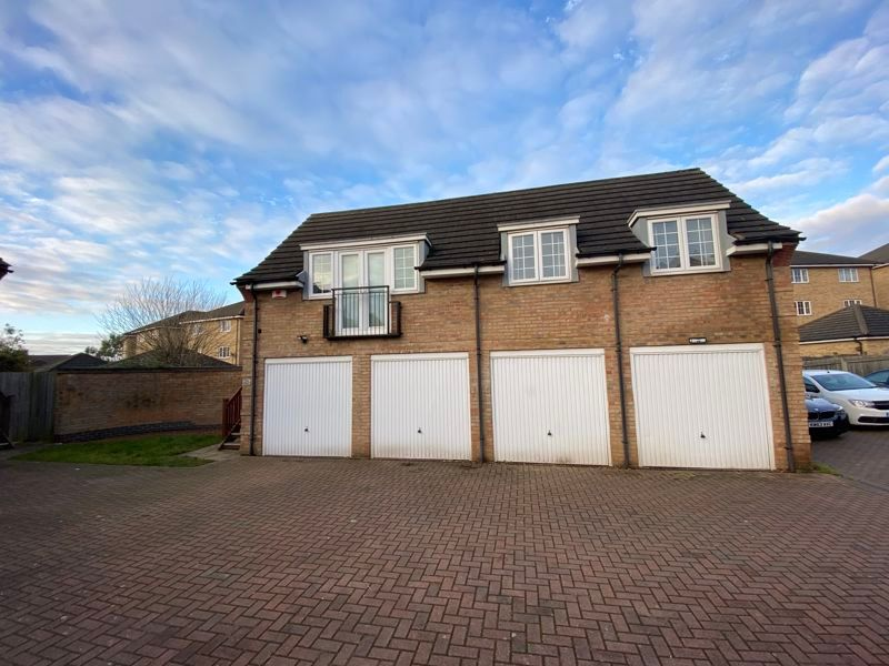 2 bed  to rent in Lady Charlotte Road  - Property Image 1