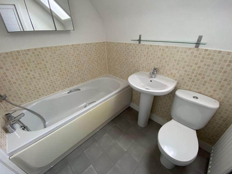 2 bed  to rent in Lady Charlotte Road 6